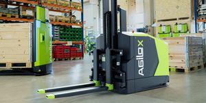 """Nové """"inteligentně naváděné vozidlo"""" (IGV): autonomní čelní vysokozdvižný vozík je naváděn s využitím inteligence hejna"""