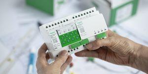 Revoluční řešení SpaceLogic Switch&Blind od Schneider Electric nahradí stávající KNX systémy