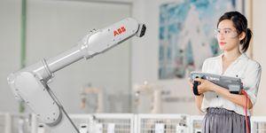 ABB rozšiřuje nabídku malých robotů o rychlý a výkonný model IRB 1300 určený k instalaci ve stísněných prostorech