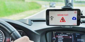 Systém společnosti Bosch varující před vozidlem v protisměru je nyní součástí vozů ŠKODA
