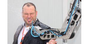 Nový robolink IP44: Robot, který odolává vodním živlům