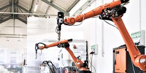 S roboty KUKA proti pandemii