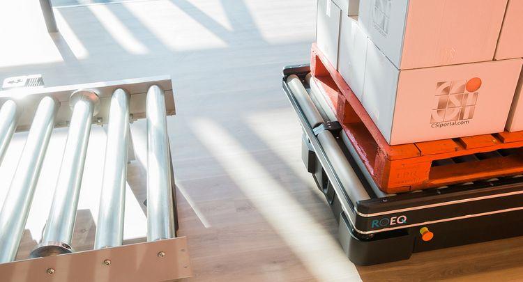 CSi palletising společně s Mobile Industrial Robots plně automatizují přepravu materiálu v FMCG průmyslu