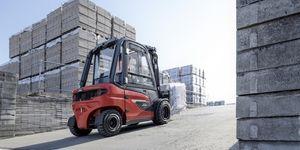 Nové elektrické vysokozdvižné vozíky Linde se nyní svým výkonem vyrovnají vozíkům se spalovacím motorem